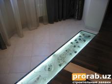 стеклянные полы с декоративным оформлением