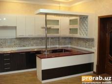 Кухонный Гарнитур - фасады Акрил (Турция), столешница - пластиковая на основе МДФ