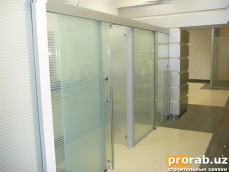 Раздвижные двери и цельно-стеклянные офисные перегородки...